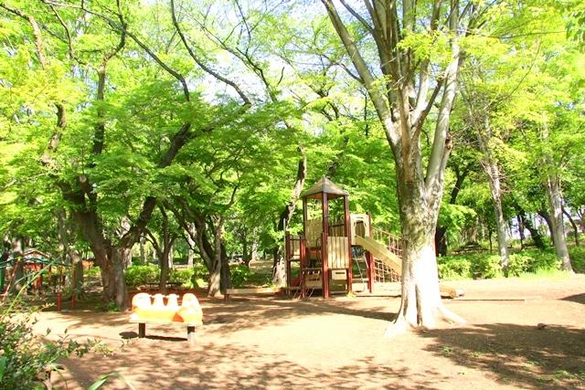石神井公園内には、小さなお子様も楽しめる遊具もあります♪