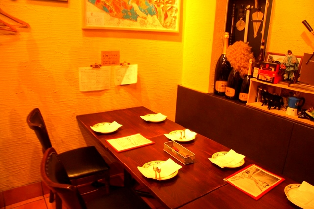 ピッツェリア ジターリア ダ フィリッポのテーブル席