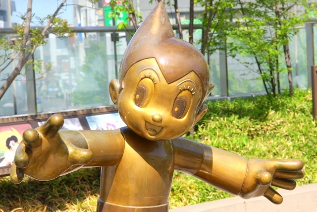 大泉アニメゲートにある鉄腕アトムのモニュメント