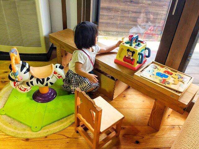 キッズルームに玩具もあるので、子供が退屈しないのもいいですね♪