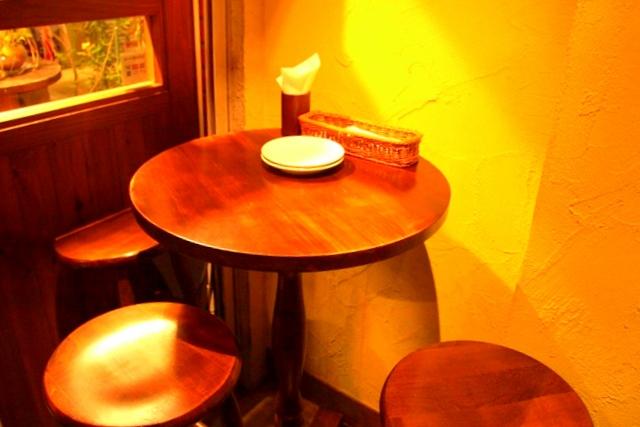 ビストロヒロのテーブル席