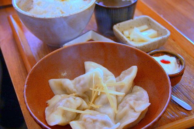 「かかん」の、イベリコ豚と海老の大葉が香る水餃子定食