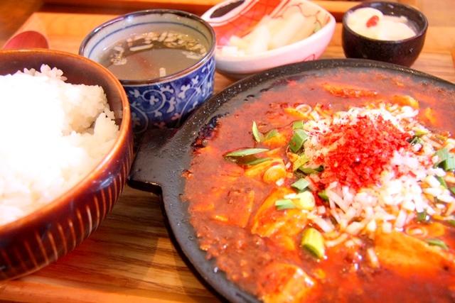 「かかん」の本格四川風麻婆豆腐定食(麻婆豆腐大盛り)