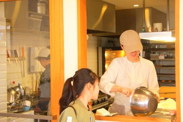 ポンポンケークスブルーバードの厨房