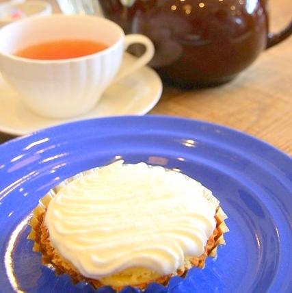 POMPON CAKES BLVD.レモンチーズパイと紅茶
