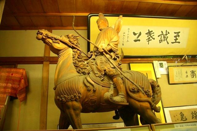 鎌倉宮の護良親王像