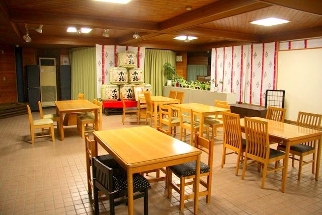 鎌倉宮、参拝者休憩所内