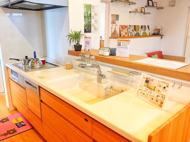 小林工務店の住宅展示場キッチン