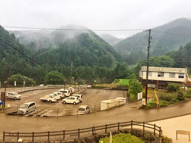 本谷温泉館の駐車場