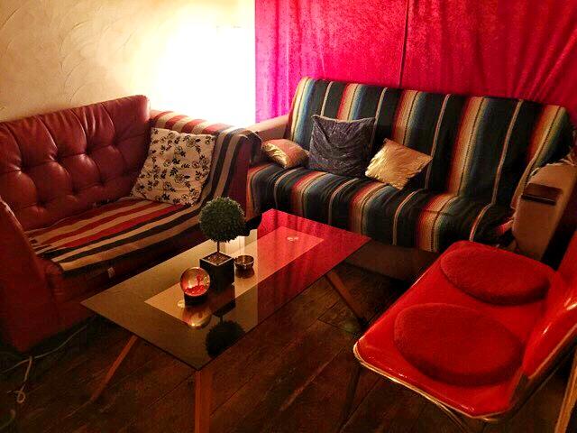 House Bar MUSEのソファー席