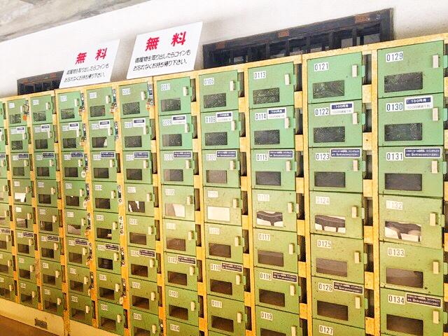 大山祇神社宝物館のシューズロッカー