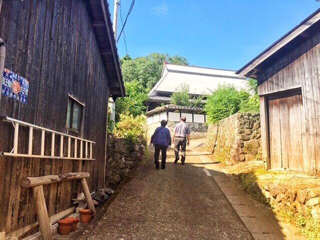 両新田神社へ
