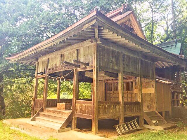 両新田神社拝殿