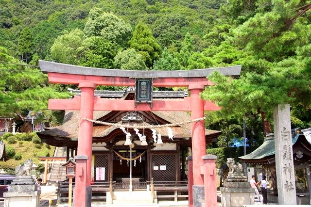 白髭神社の拝殿