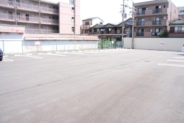 なべいち駐車場