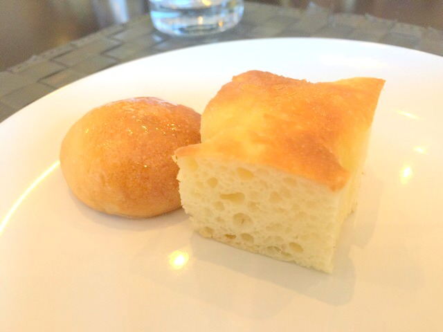 トラットリア ラ フォンテのランチでは、パン・フォカッチャはおかわりできます。