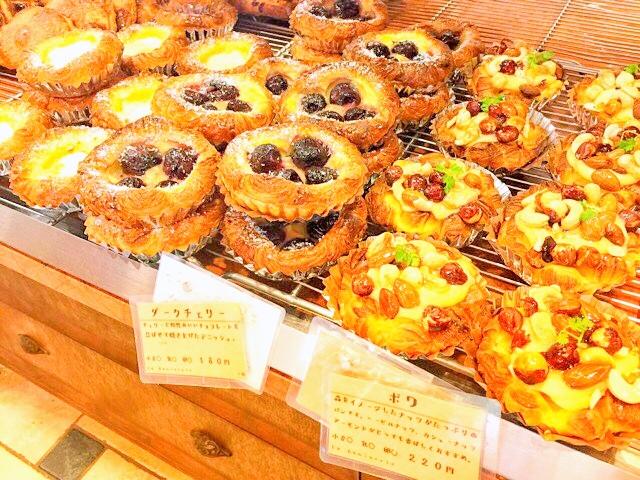 パラダイス&ランチ、ラ・ギャミヌリィの菓子パン