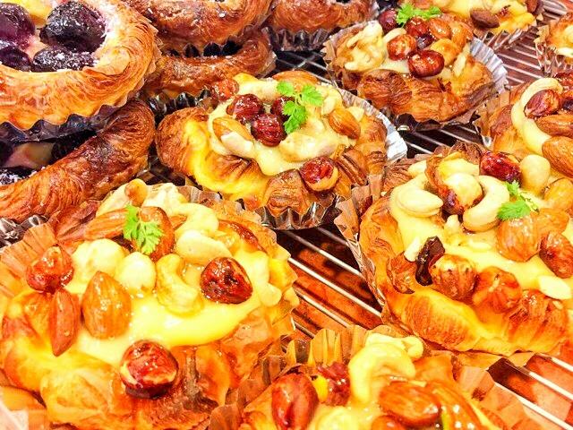 パラダイス&ランチのラ・ギャミヌリィが作る国産小麦を使った無添加のパンたち