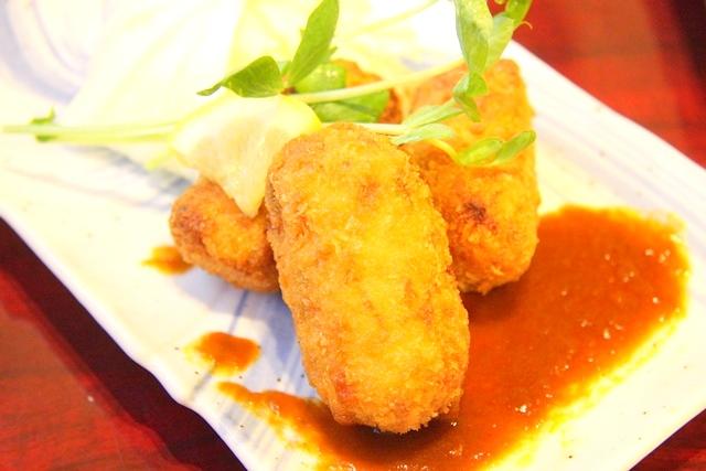 鶏飛人のクリームコロッケ