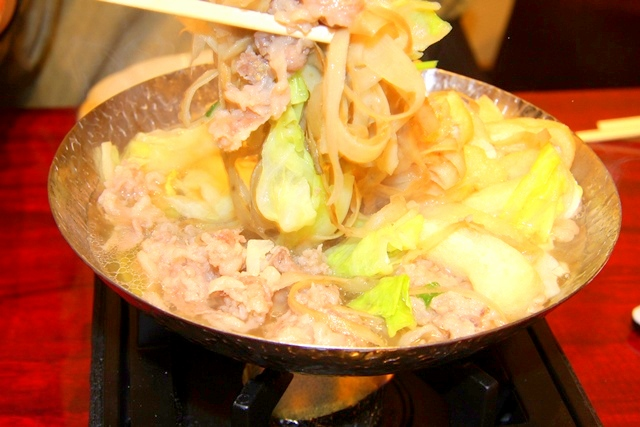 鶏飛人の名物!牛かっぱ鍋(小さな1人鍋)¥780