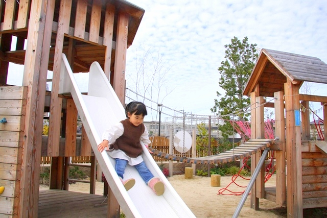 安満遺跡公園のボーネルンドプレイヴェル屋外エリア