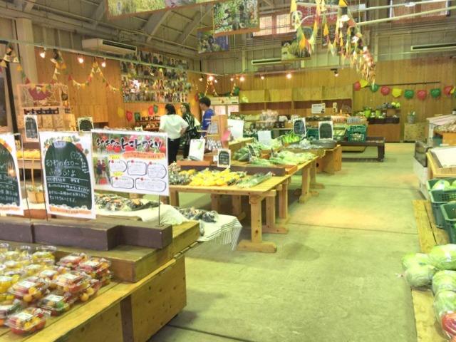 モクモクファーム「元気な野菜塾市場」店内