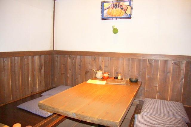 モクモクファームにある、農村料理の店もくもくの店内