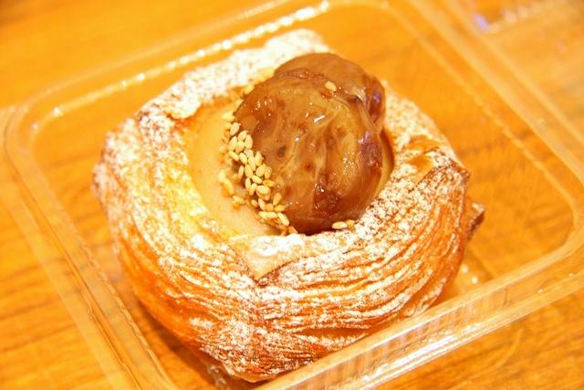 アクアイグニス内、マリアージュ ドゥ ファリーヌのパン