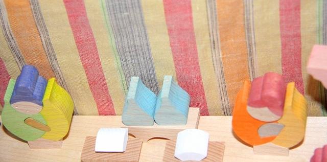 ㈲遊プラン、つぼみびな三段飾りの組み立て方
