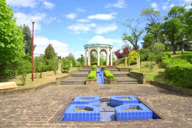 花博記念公園鶴見緑地 山のエリア、国際庭園のイラン庭園