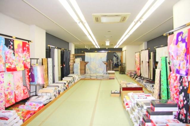 岩田呉服店茨木店